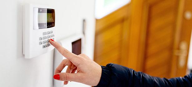 Cctv installers manchester cctv system maintenance for Best buy burglar alarms